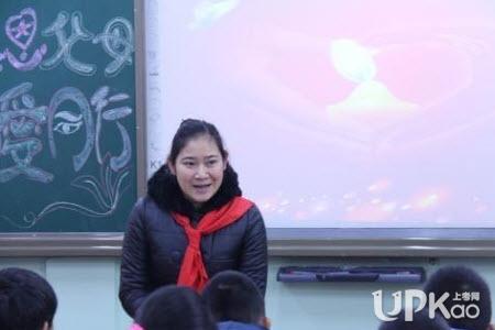 大学辅导员是干什么的|大学中辅导员的作用大吗 大学辅导员的作用有哪些