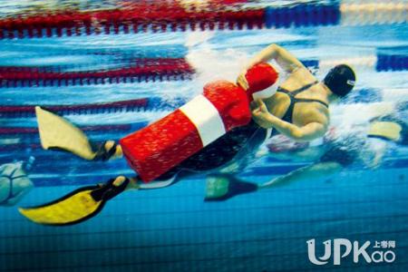 游泳救生员证报考有哪些要求 游泳救生员证等同于游泳教练证吗